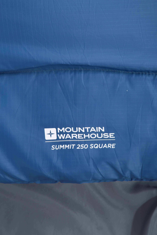 free shipping a26e0 d3329 Summit 250 Square Sleeping Bag | Mountain Warehouse GB