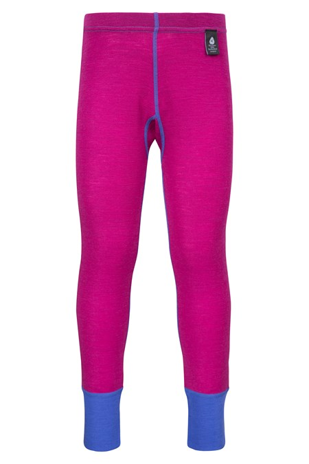 The Merino Kids Thermal Pants are specifically designed to keep your child comfy and warm this season. Made with a merino wool blend, the pants are lightweight, breathable and naturally antibacterial – perfect as active wear.
