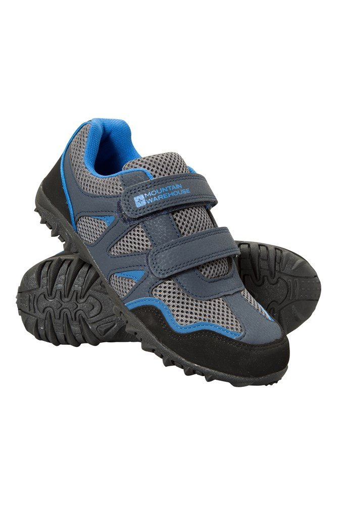 Kids' Shoes At Famous Footwear you can conveniently shop a wide selection of fashionable childrens' shoes online or in store near you. When it comes to shoes for kids, we have you covered with their favorite casual and dress styles from the brands you know and love.