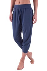 Meditate Womens Slouchy Capris