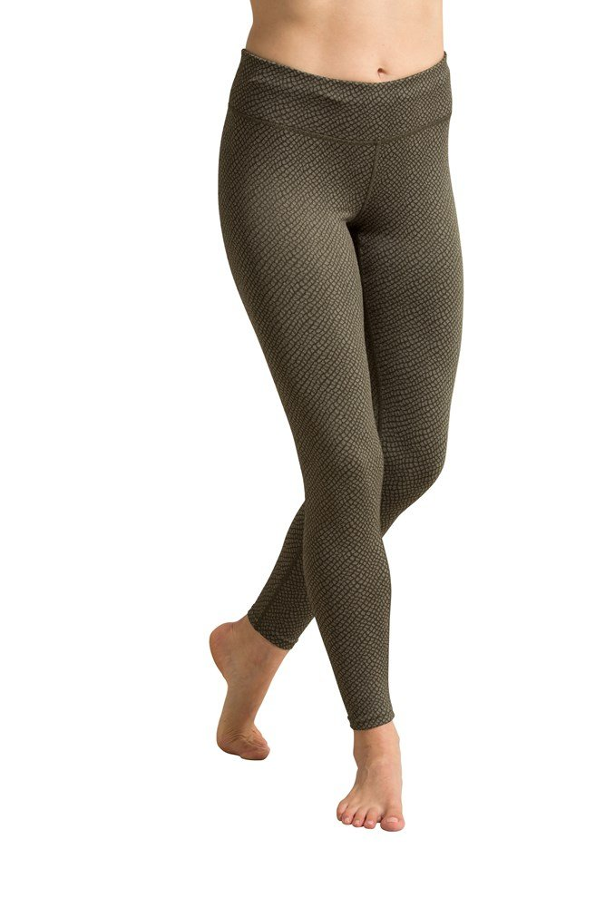900402 pgn wms all knotted up legging aw16 1